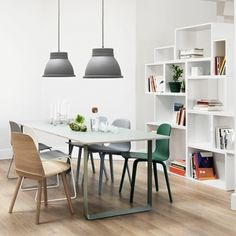 70/70 table by Muuto.
