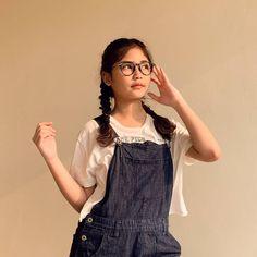 Hey Baby Girl, Peach Wallpaper, Minimal Makeup, Ulzzang Korean Girl, Selfie Poses, Photos Tumblr, Cute Girl Face, Cute Beauty, Sad Girl
