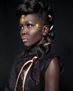 African queen strutting her stuff - 2 4