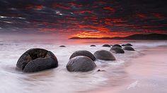 Sunrise at Moeraki Boulders, Coastal Otago, New Zealand