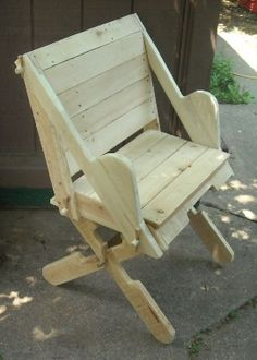 Pallet Furniture Projects Reenactment Camp Furniture index Check out the chests on the site too - Diy Pallet Projects, Furniture Projects, Furniture Plans, Furniture Making, Cool Furniture, Outdoor Furniture, Reupholster Furniture, Furniture Cleaning, Folding Furniture
