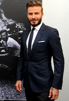 David Certainly in the top 3 most sexy athletes! When he's not posing in underwear for H&M, this guy is the husband of the stylish Victoria Beckham Fashion Models, Mens Fashion Blog, Mens Fashion Suits, Look Fashion, Mens Suits, David Beckham Suit, David Beckham Style, Der Gentleman, Gentleman Style
