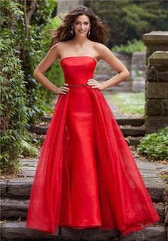 Stunning Mermaid Strapless Red Prom Dress With Detachable Tulle Skirt Red Homecoming Dresses, Fitted Prom Dresses, Designer Prom Dresses, Satin Dresses, Strapless Dress Formal, Prom Outfits, Ball Dresses, Formal Dresses, Prom Dress Stores
