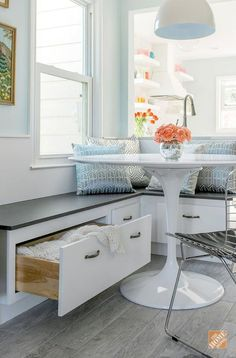 Small Space Breakfast Nook Apartment Ideas