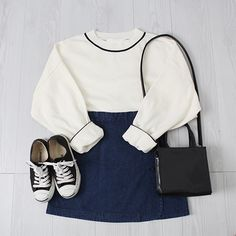Comfy Outfits for School: Best for Cute and Stylish Look - Wewer Fashion Korea Fashion, Kpop Fashion, Cute Fashion, Asian Fashion, Girl Fashion, Fashion Outfits, Fashion Trends, Mode Outfits, Casual Outfits