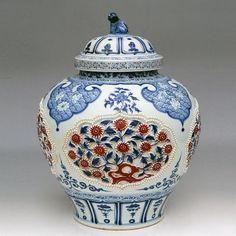 Fine antique porcelain vase  = beautiful  Jingdezhen Fine Porcelain Co., LTD.