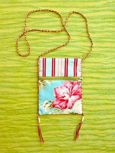 Be prepared! When you toss this cute little bag over your shoulder, all your friends will want one too.
