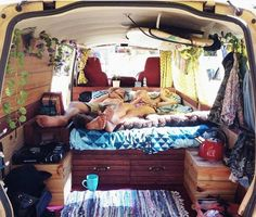 Would you like to go camping? If you would, you may be interested in turning your next camping adventure into a camping vacation. Camping vacations are fun and exciting, whether you choose to go . Mini Camper, Camper Life, Camper Van, Interior Trailer, Campervan Interior, Van Life, Mini Van, Camping Diy, Camping 2017