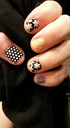 Black & White Polka, Simply Daisy, Black & White Skinny and Sunny Lotus #jamberry #manicure #easy #nails #nailart #combination #yellow #flowers #floral #stripes #striped #dots