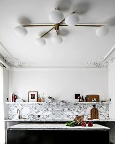 Modern Kitchen Interior Kitchen Trends Backsplash - Looking to renovate your kitchen this year? We investigated biggest kitchen trends so you can make smart design decisions. Küchen Design, Home Design, Design Ideas, Smart Design, Nordic Design, Design Model, Design Projects, Design Trends, Kitchen Trends 2018