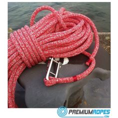D-performance halyard with eye splice to Wichard stainless steel shackle #sailing #yachtrigging #sailingyacht #vela #premiumropes #premium #dyneema #ropes #webstore #webshop #worldwidedelivery #international #nautical