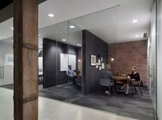 Unified color in separated spaces. Weebly - San Francisco Offices - Office Snapshots