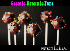 Who doesn't love Little Debbie Cosmic Brownies? Now you can take those brownies and turn them into Cosmic Brownie Pops! The kids will love this treat! Chocolate Candy Melts, Chocolate Shake, Melting Chocolate, Cosmic Brownies, Brownie Pops, Desserts To Make, Dessert Recipes, Poke Cakes, Cake Decorating Tips