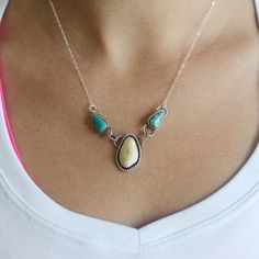 Elk Ivory Necklace With Turquoise