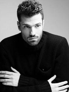 Black & White #tbt 2013 #Argiros #Live Black Men, Black And White, Famous Singers, Beautiful Men, Greek, Hair Cuts, Handsome, Menswear, Guys