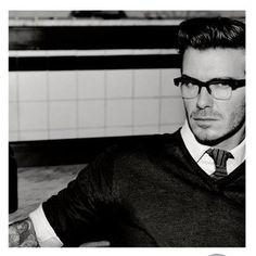 David Beckham #fashion #glasses #oculos #DavidBeckham #tattoo