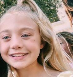 Cole And Savannah, Savannah Chat, Everleigh Rose, Girls Fall Outfits, Girl Falling, Cute Love, Cute Babies, Children, Kids