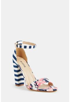 10973ee595c4fb A heeled sandal with a contrast print