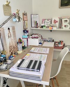Com study areas, study space, study desk, desk space, school orga Study Room Decor, Study Rooms, Bedroom Decor, Dorm Room Storage, Dorm Room Organization, Storage Organization, Smart Storage, Study Desk, Study Space