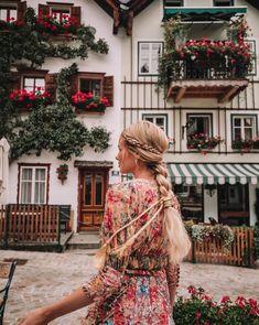 Barefoot Blonde Hair in Hallstatt, Austria Plait Braid, Amber Fillerup Clark, Plaits Hairstyles, Hairdos, Barefoot Blonde, Dye My Hair, Big Hair, Feminine Style, Hair Trends