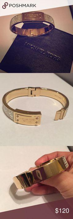 Micheal kors gold diamond bracelet Micheal kors gold diamond bracelet good conditions. Minor small scratches. Comes in original box Michael Kors Jewelry Bracelets