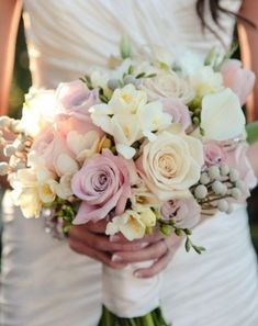 bruidsboeket met jasmijn en fresia.jpg