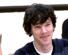 Benedict Cumberbatch - sherlock something. looks so young, kinda childish, cute Benedict Sherlock, Sherlock Bbc, Sherlock Actor, Watson Sherlock, Benedict Cumberbatch Sherlock, Sherlock Quotes, Jim Moriarty, John Watson, Johnlock