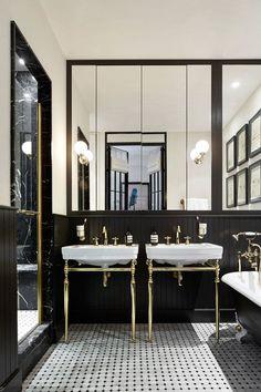 Stunning Industrial Bathroom Design Ideas - Bathroom - Info Virals - New Fashion and Home Design around the World Restaurant Bad, Restaurant Bathroom, 1920s Bathroom, Art Deco Bathroom, White Bathroom, Paris Bathroom, Marble Bathrooms, Industrial Bathroom Design, Industrial Style