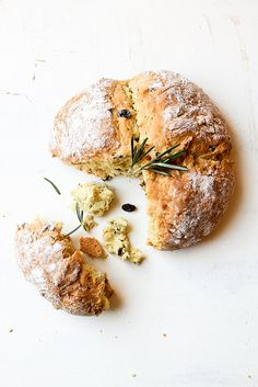 soda bread with rosemary & raisins