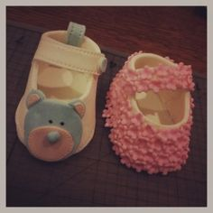 Baby Shoes decorated with Fondant. Cute for Baby Shower