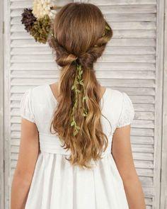 25 Peinados de Primera Comunion para Pelo Largo Palma del Rio Flower Girl Hairstyles, Braided Hairstyles, Wedding Hairstyles, Country Flower Girls, Communion Hairstyles, First Communion Dresses, One Hair, Girls Braids, Crazy Hair