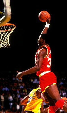 """Hakeem """"The dream"""" Olajuwon #NBALegend-Would have gone down as a bigger legend if it weren't for MJ..."""