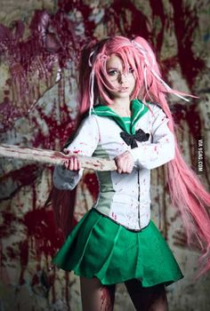 Amazing High School of the Dead cosplay!