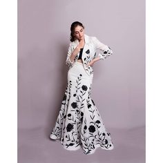 Party Wear Indian Dresses, Indian Gowns Dresses, Indian Bridal Outfits, Dress Indian Style, Indian Fashion Dresses, Indian Designer Outfits, Designer Dresses, Fancy Dress Design, Stylish Dress Designs