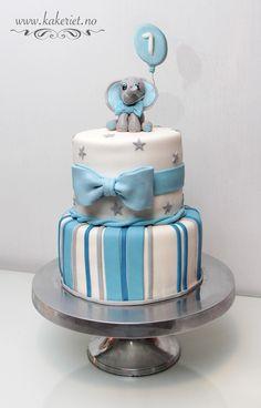 Elephant cake with stripes and bow. Elefant kake.bursdagskake gutt