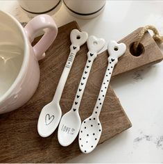 Set of 3 Ceramic Spoons These are so beautiful! Make your cutlery drawer prettier by adding these 3 spoons. Each unique design is beautiful. Sold as a set of Ceramic Spoons, Ceramic Clay, Ceramic Painting, Ceramic Pottery, How To Make Ceramic, Wooden Tea Light Holder, Pottery Painting Designs, Pottery Gifts, Ceramics Projects