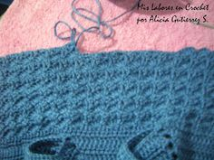 Mis labores en Crochet: Paso a paso del suéter para mascotas. Knitted Hats, Crochet Hats, Cat Sweaters, Puppy Clothes, Chihuahua Dogs, Dog Coats, Pet Shop, Jessie, Animals And Pets