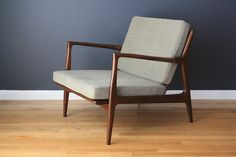 20th Century Danish Modern Selig Lounge Chair For Sale