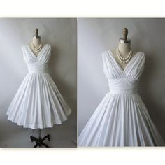 50's Marilyn Dress // Vintage 1950's White Cotton Marilyn Monroes Style Full Garden Party Casual Beach Wedding Dress XS
