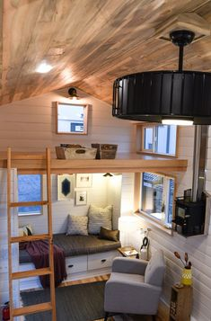 Family's Amazing 28' Kootenay Tiny Home on Wheels