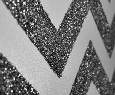 glitter and chevron. perhaps not the glitter, but I do love chevron! Glitter Chevron, Arte Chevron, Glitter Canvas, Glitter Walls, Chevron Walls, Glitter Room, Glitter Art, Gold Glitter, Sparkly Walls