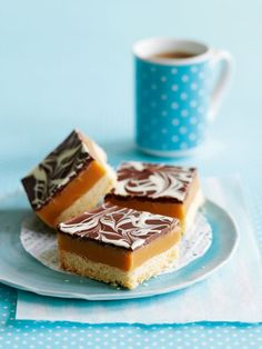 The Great British Bake Off caramel week recipes to try at home - CoventryLive # british Baking The Great British Bake Off caramel week recipes to try at home British Baking Show Recipes, British Bake Off Recipes, Scottish Recipes, Tray Bake Recipes, Baking Recipes, Cake Recipes, Dessert Recipes, Great British Bake Off, Millionaire Shortbread Rezept