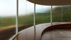 Sonic Pavilion, ou o Som da Terra, do artista americano Doug Aitken, no Inhotim, em Brumadinho, Minas Gerais.