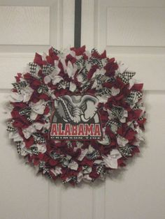 This is for my Alabama friends.....  Alabama Crimson Tide Fabric Wreath