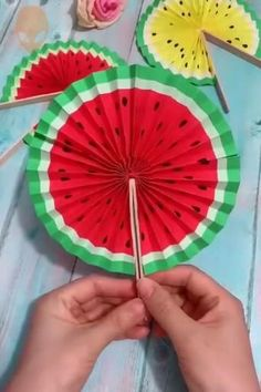 Instruções Origami, Paper Crafts Origami, Useful Origami, Paper Crafts For Kids, Preschool Crafts, Diy Paper, Origami Ideas, Oragami, Origami Butterfly
