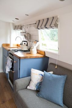 Exquisitely fitted out narrowboat. Small Space Living, Tiny Living, Home And Living, Small Spaces, Wooden Boat Plans, Wooden Boats, Canal Boat Interior, Narrowboat Interiors, Narrowboat Kitchen