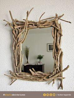 Si te gusta hacer proyectos para el hogar, sólo necesitas algunas ramas y un espejo para recrear esto.#dulcelagarda #diseñodeinteriores #ensenada