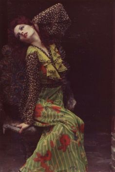 Gala Mitchell wearing Ossie Clark/Celia Birtwell print - 70s inspiration for CATs Vintage - 1970s style - fashion