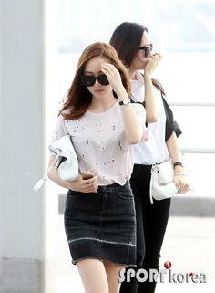 SNSD Jessica Fx Krystal airport 140413