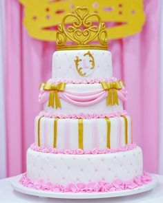 1 aninho da Lais ~  Festa de criança é sempre muito fofa!  #felizaniversario #festademenina #maedemenina #aniversariodemenina #princesa #princess #itsagirl #happybirthday #rosa #pink #dourado #gold #pinkandgold #delicado #delicate #party #partykids #ratimbum #parabens #lais #primeiroano #primeiroaninho #cake #bolo #bolodeaniversario #fotografia #photo #fotografamilenaballiano #fotografasmulheres http://misstagram.com/ipost/1573640732002452506/?code=BXWseiDF4Qa